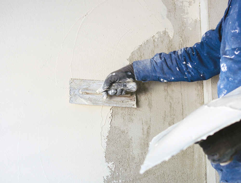 What is the Difference between Plaster and Render?
